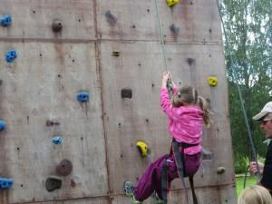 Bjøntegaard leirskole populær klatrevegg